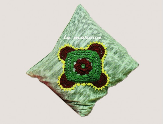 CROCHET SMALL CUSHION COVER-NC592