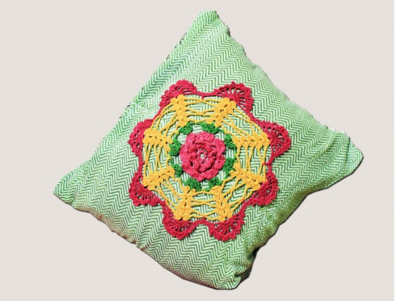 CROCHET ROUND CENTER SMALL CUSHION COVER DESIGN-NC593